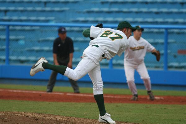 pitcher, pitch, питчер, питч, подача, бросок, питчерский холм, первая база, защитник 1 базы, судья